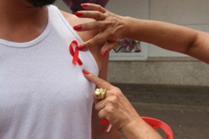 Prevenção e conscientização são essenciais para o enfrentamento à AIDS