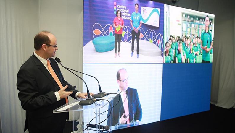 Educação Básica – MEC lança centro de mídias da educação para ensino presencial mediado por tecnologia