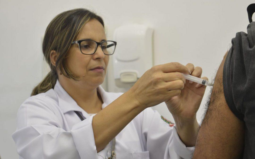 Vacinação contra a gripe começa nesta quarta-feira (10/04) em todo o país
