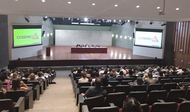 Evento – Cosems MG realiza seminário sobre novo financiamento da Atenção Básica