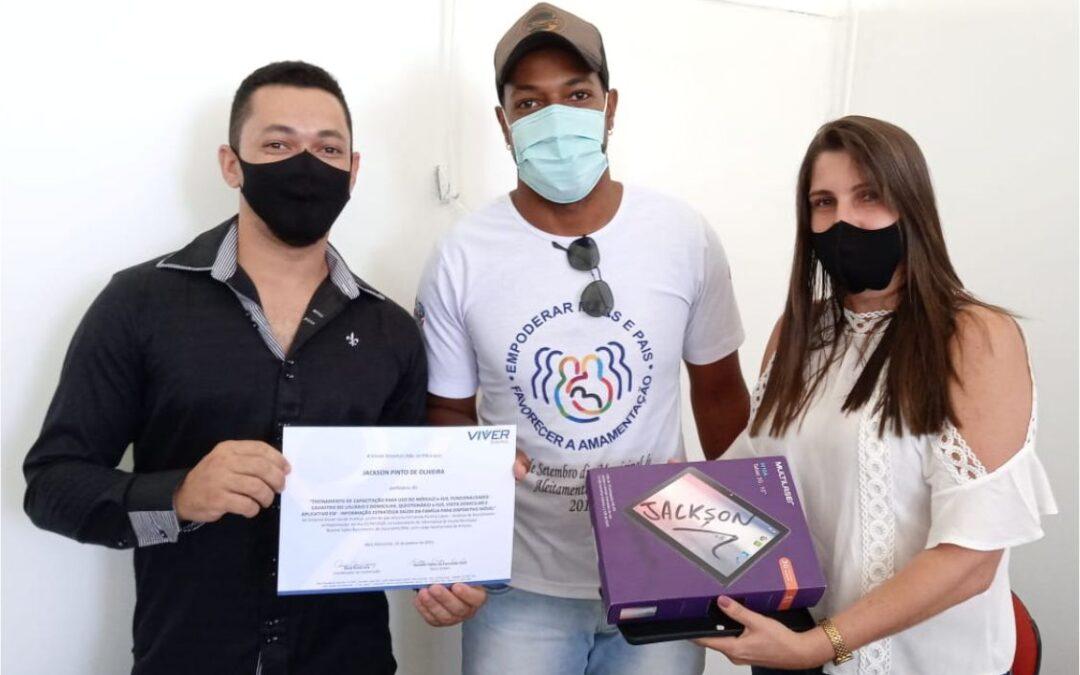 Cliente Vivver – Prefeita de Itacarambi entrega tablets para ACS
